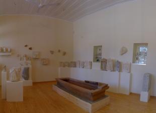 Ο εσωτερικός χώρος της  Αρχαιολογικής Συλλογής Ερεσού
