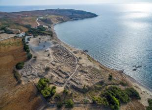 Αεροφωτογραφία του προϊστορικού οικισμού της Πολιόχνης.