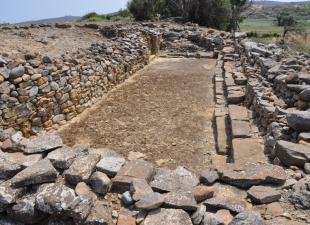 Φωτογραφική άποψη του ΒΑ. τμήματος του αρχαιολογικού χώρου.